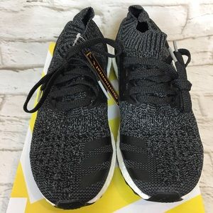 Adidias Ultra boost Gray Black Shoes size 7